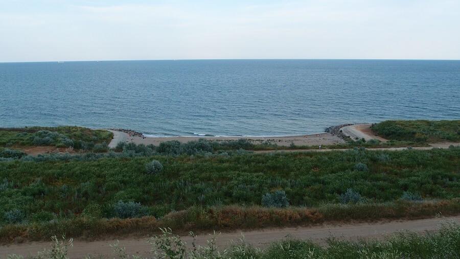 Черноморск_пляж_со_стороны_маяка