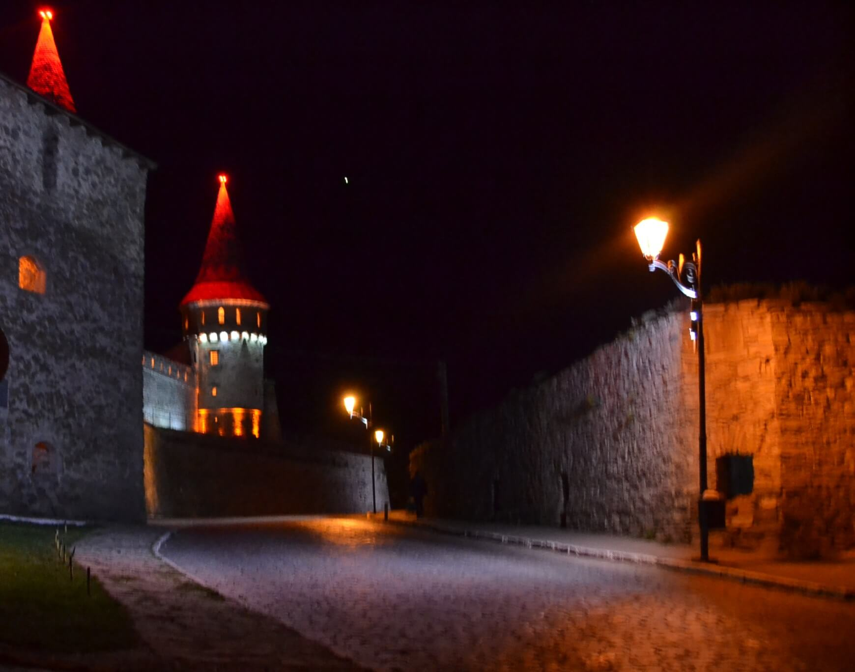 Каменец-Подольский замок ночью