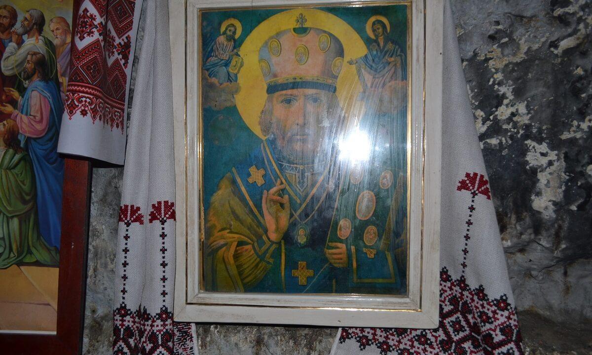 Скальный монастырь Бакота